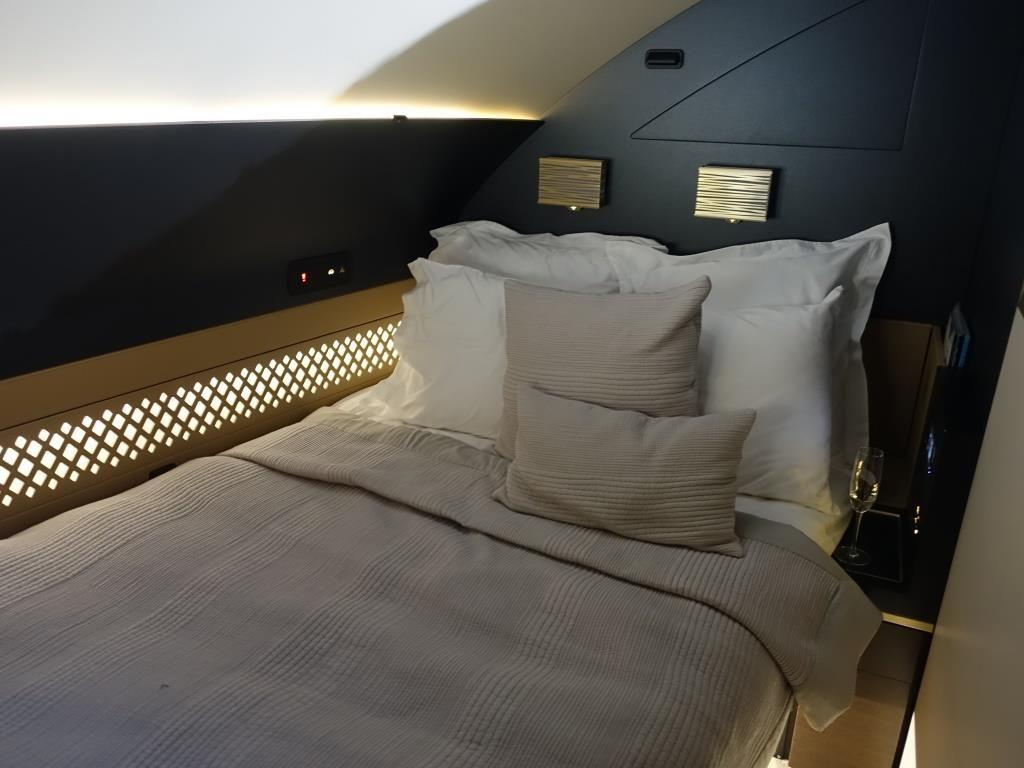 cama dentro del avión