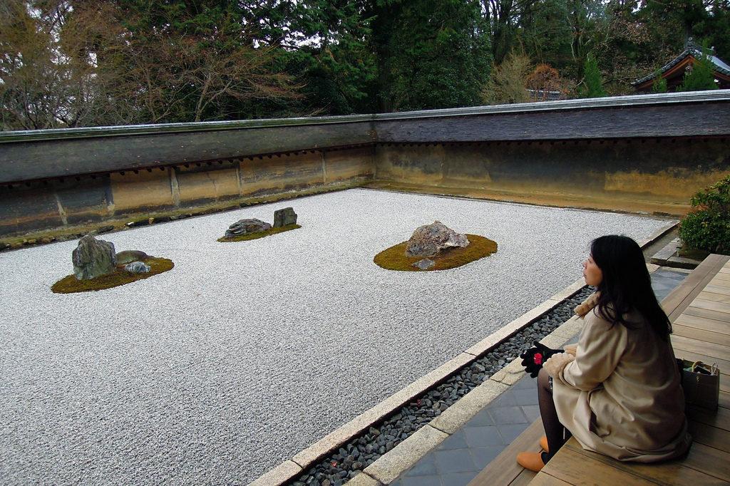 sitios-que-no-te-puedes-perder-en-japon-piedras
